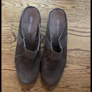 Woman's Pair Of Aerosoles Clogs Size 10